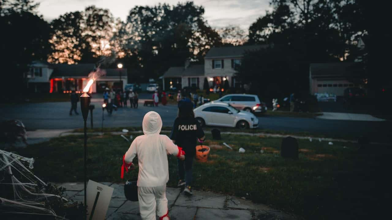 trick or treat road safety