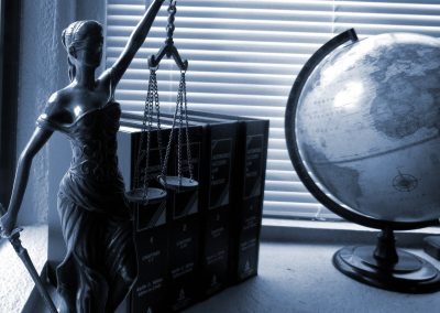 Pros and Cons of Settlements Versus Court Trials