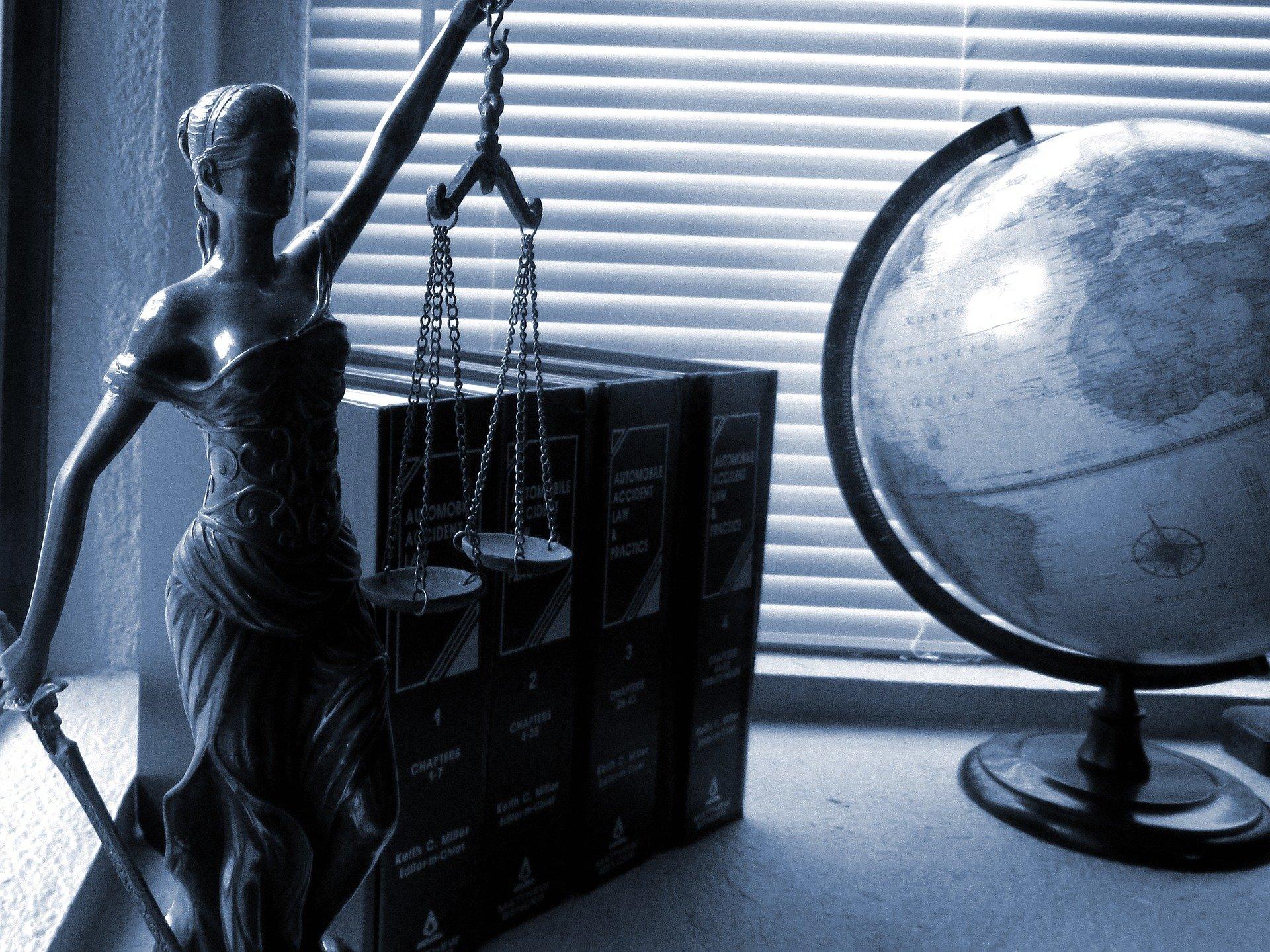 settlements versus court trials
