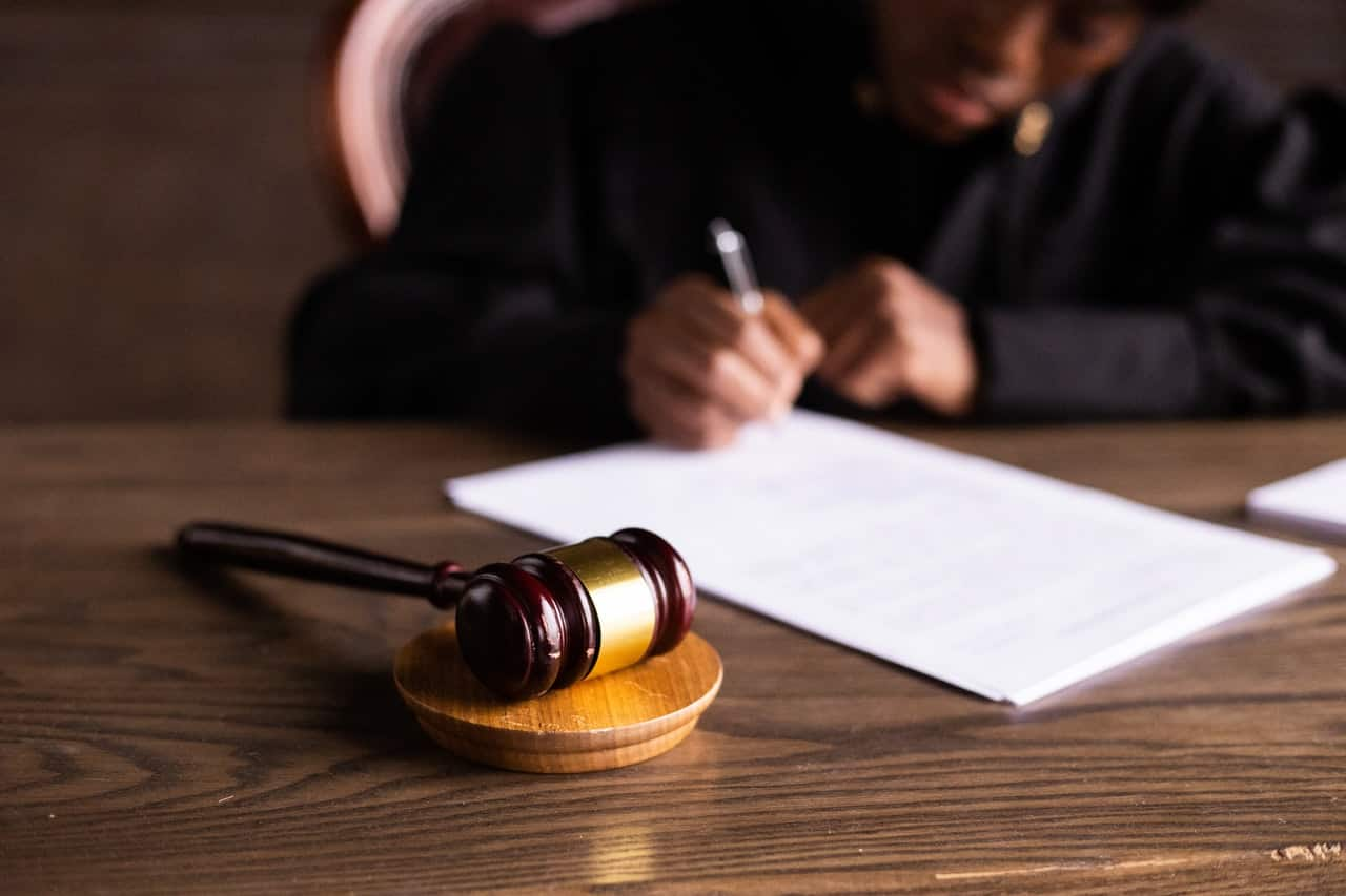 judge signing documents